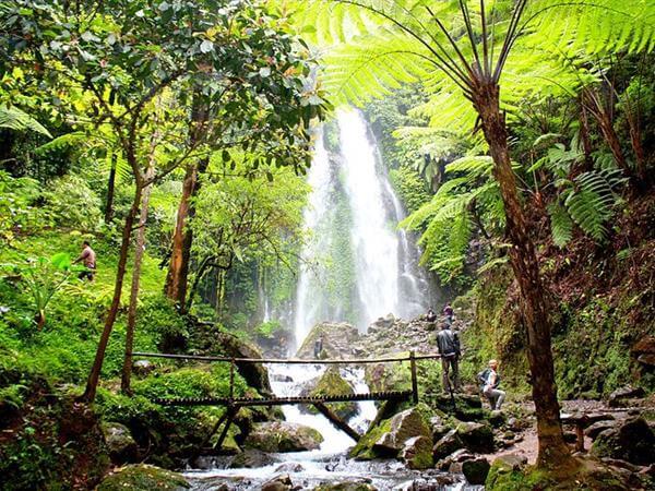grojogan-sewu-waterfall