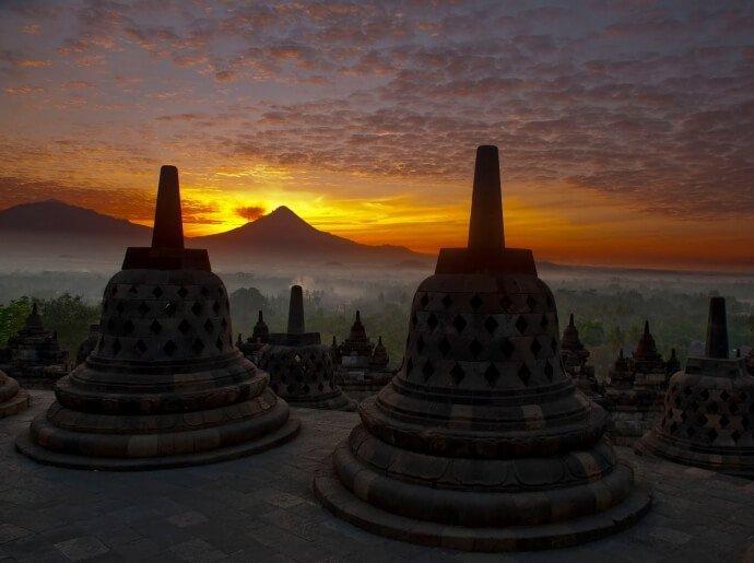 visit-to-borobudur-temple-during-sunrise-or-sunset
