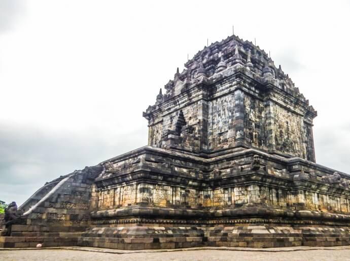 visit-to-mendut-and-pawon-temples