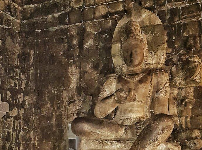 visit-to-mendut-and-pawon-temples_1