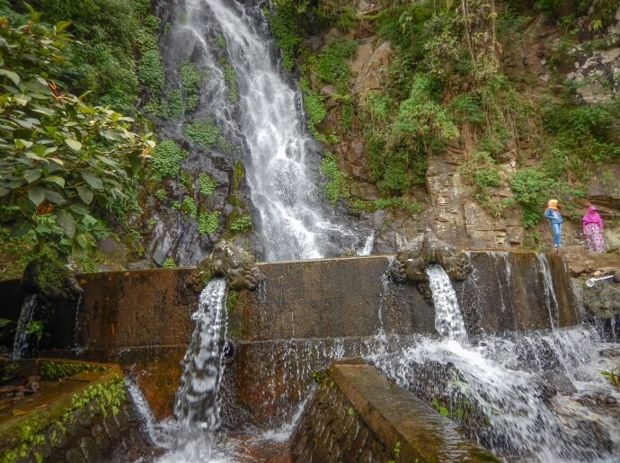 visit-to-seloprojo-waterfall-on-the-slopes-of-telomoyo-mountain_1