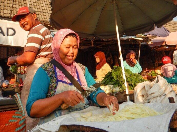 visit-to-the-borobudur-local-market
