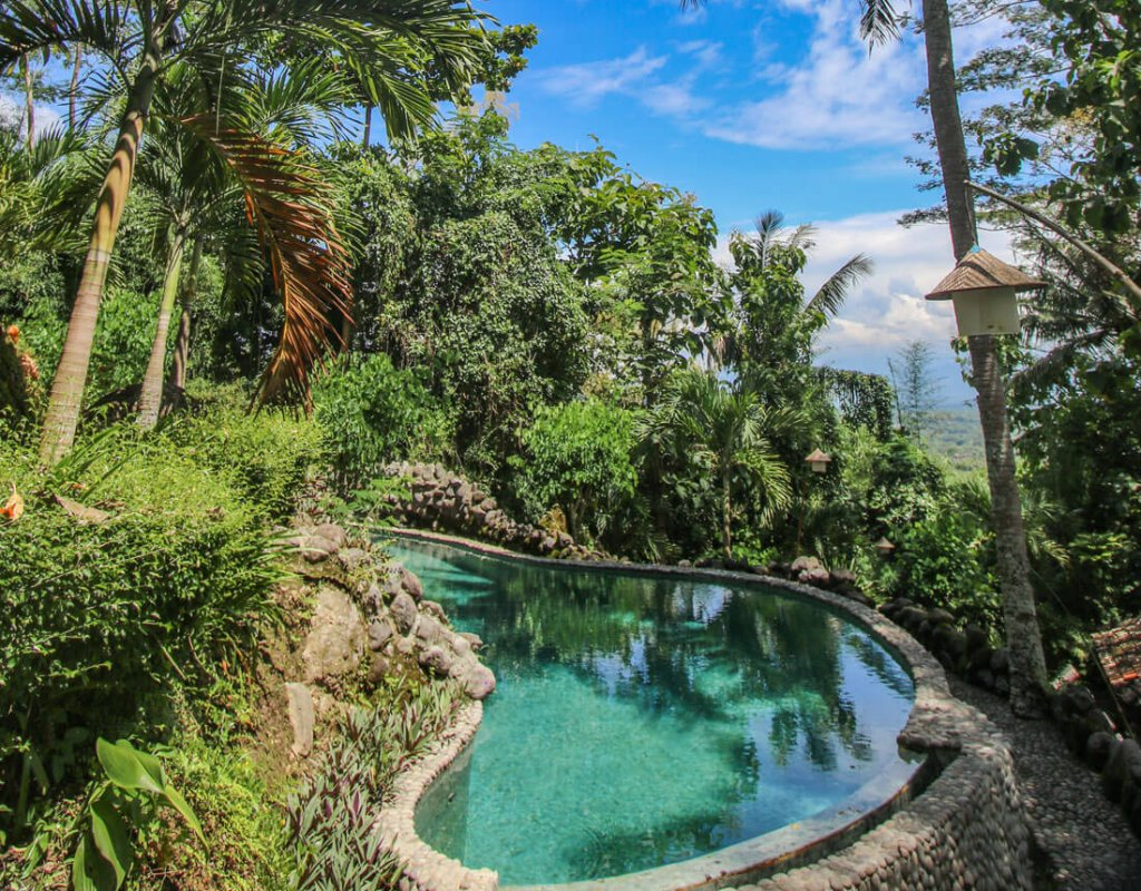 Villa-Borobudur-Temple-Resort-Luxury-Hotel-Java-Indonesia-Merapi_Outside