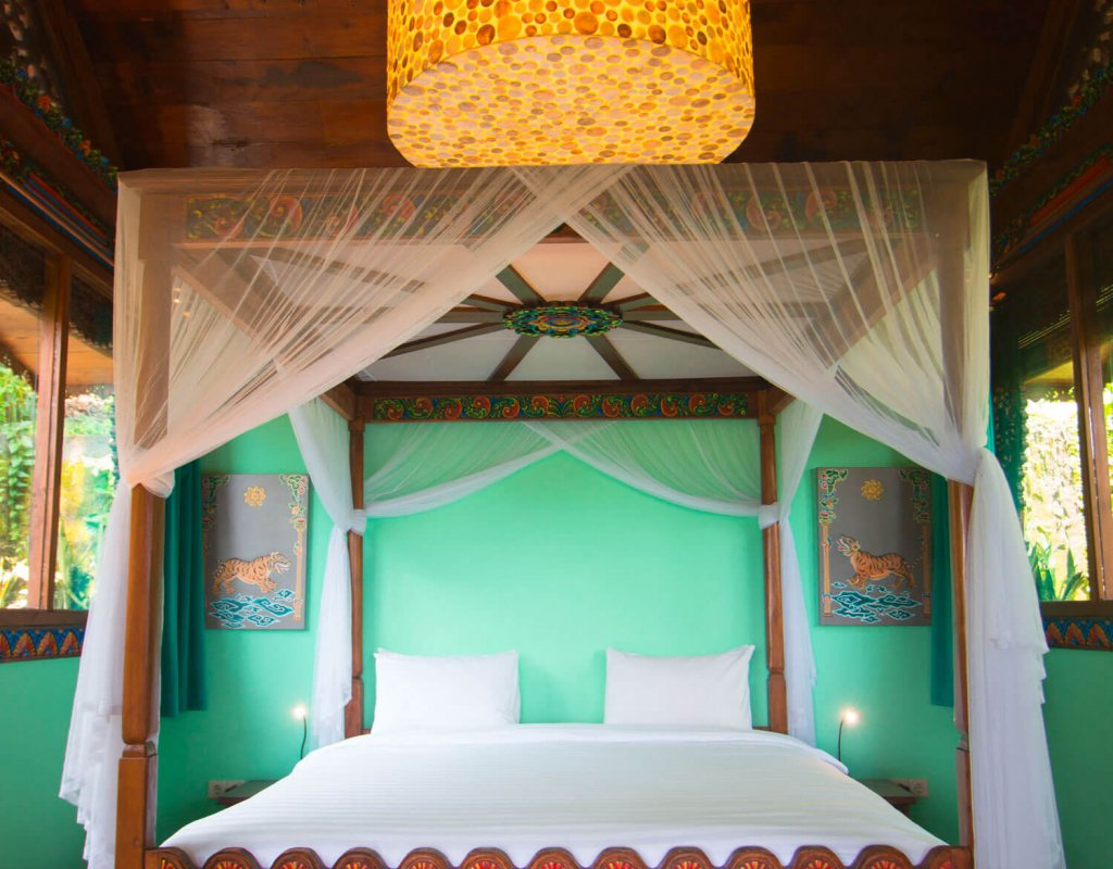 Villa-Borobudur-Temple-Resort-Luxury-Hotel-Java-Indonesia-Merapi_jungle_suite