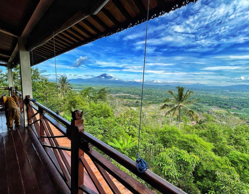 Villa-Borobudur-Temple-Resort-Luxury-Hotel-Java-Indonesia-Merbabu-Outside-view-balcony