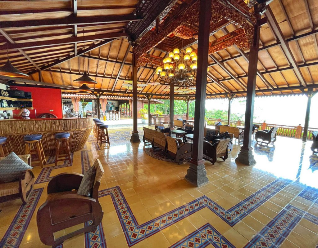 Villa-Borobudur-Temple-Resort-Luxury-Hotel-Java-Indonesia-borobudur-siddharta-restaurant-bar