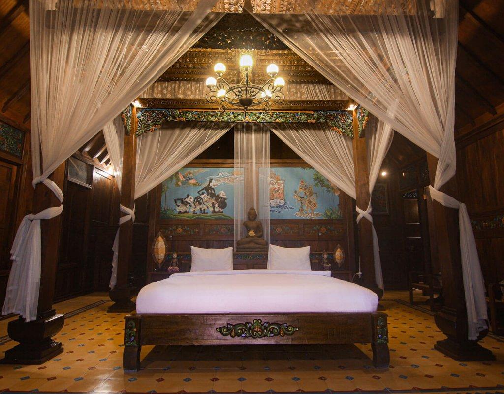 Villa-Borobudur-Temple-Resort-Luxury-Hotel-Java-Indonesia-borobudur-siddharta-suites