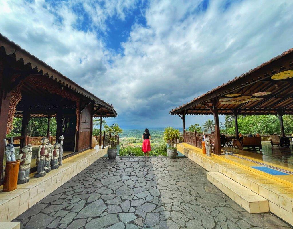 Villa-Borobudur-Temple-Resort-Luxury-Hotel-Java-Indonesia-borobudur-siddharta-suites-taste-java