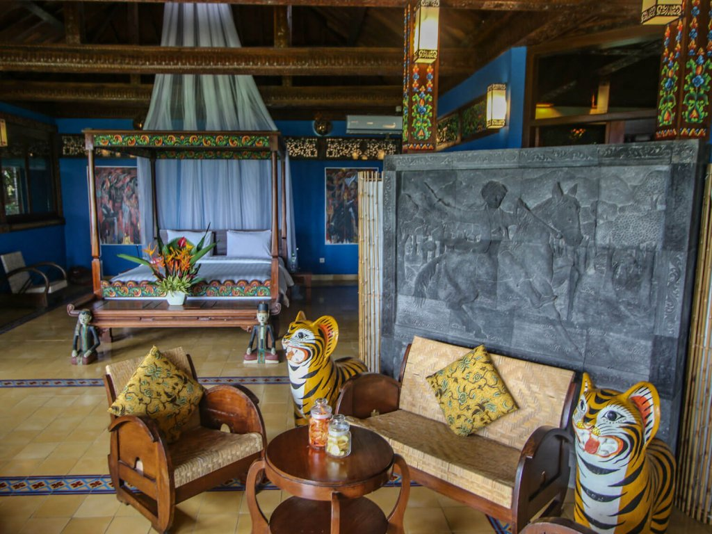 Villa-Borobudur-Temple-Resort-Luxury-Hotel-Java-Indonesia-diponegoro_bedroom
