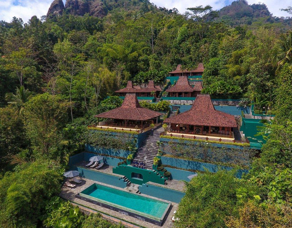 Villa-Borobudur-Temple-Resort-Luxury-Hotel-Java-Indonesia-siddharta-suites-aerial
