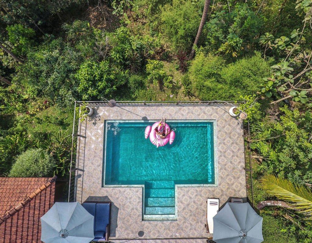 Villa-Borobudur-Temple-Resort-Luxury-Hotel-Java-Indonesia-villa_menoreh_pool_topshot
