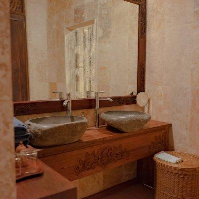 villa_menoreh_bathroom2