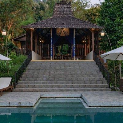 villa_menoreh_pool2